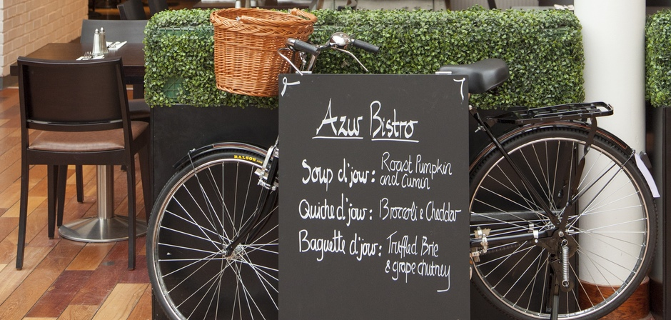 Azur Bistro: brings French classics to Princes Square.