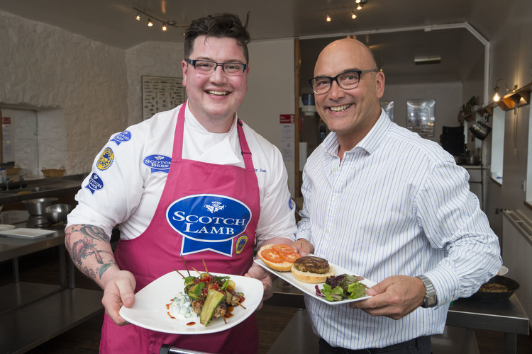 Jamie and Gregg show their Scotch lamb PGI dishes. Pic Alan Richardson Dundee, Pix-AR.co.uk