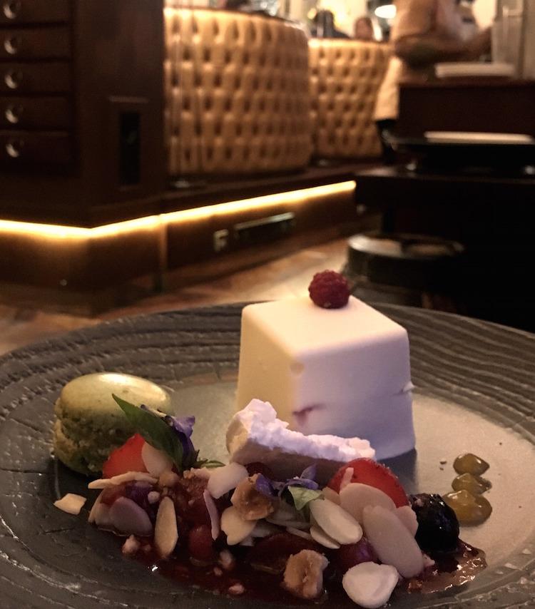 Chaophraya White Chocolate Box