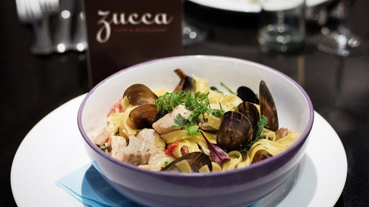 Zucca: convenient for the Lyceum.