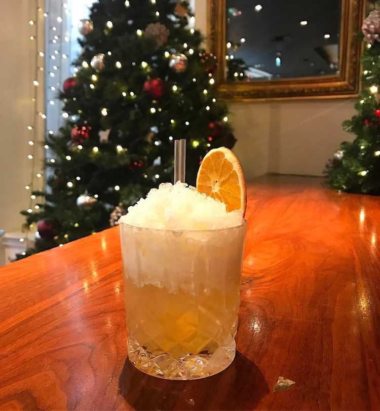 Christmas Cocktails In Glasgow - The Grill In The Corner